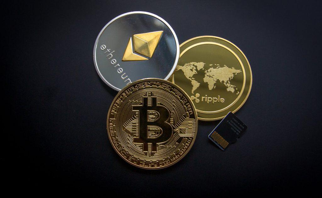 Crypto: Bitcoin, Ether, XRP, Dogecoin afundam planos fiscais Biden